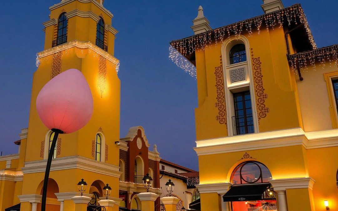 Shopping al Fidenza Village, outlet con grandi marchi tra ...