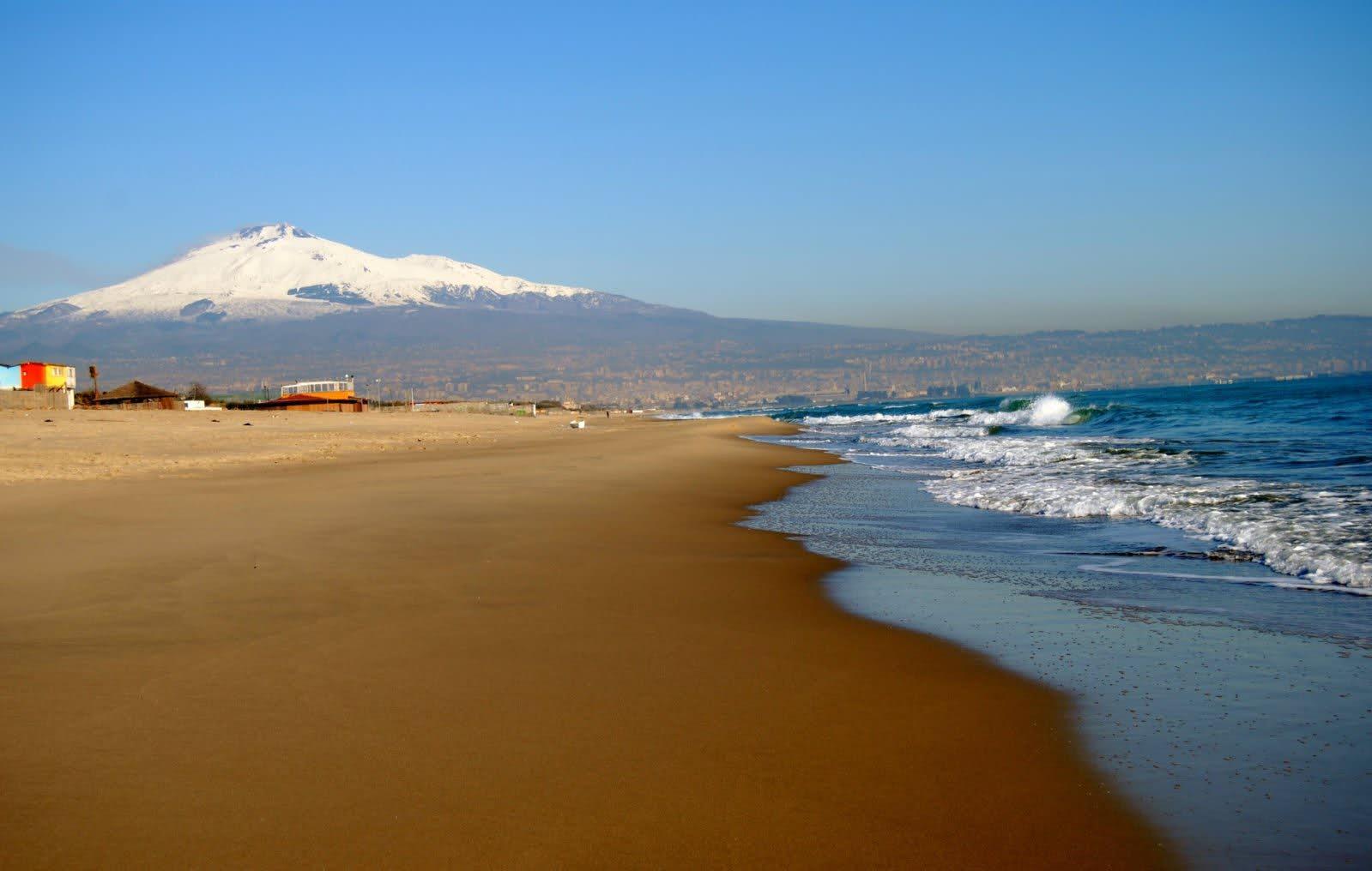 Week end al mare a catania le 5 spiagge pi belle in for Setacciavano la sabbia dei fiumi