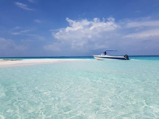 Viaggiare da soli alle Maldive: Ukulhas, atollo di Ari Nord