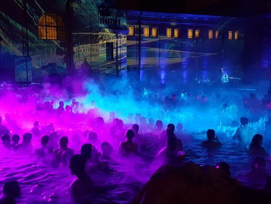 Sparty, più di 20 anni di spettacolari pool party alle terme di Budapest