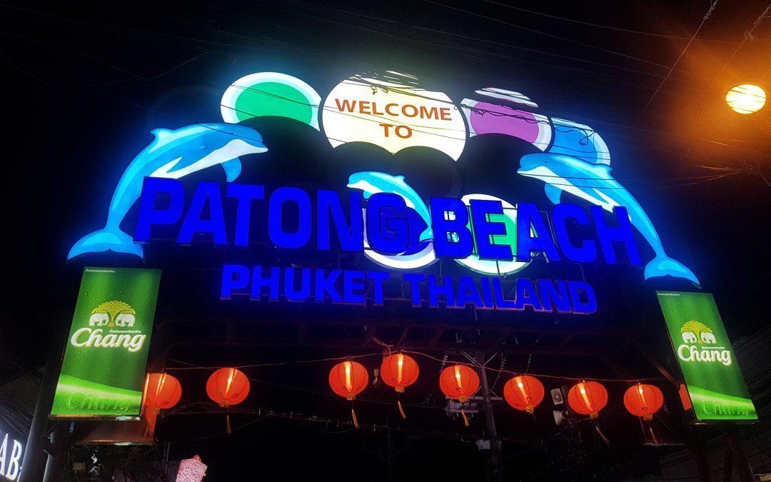 Vita notturna a Phuket, guida ai locali e ai beach club