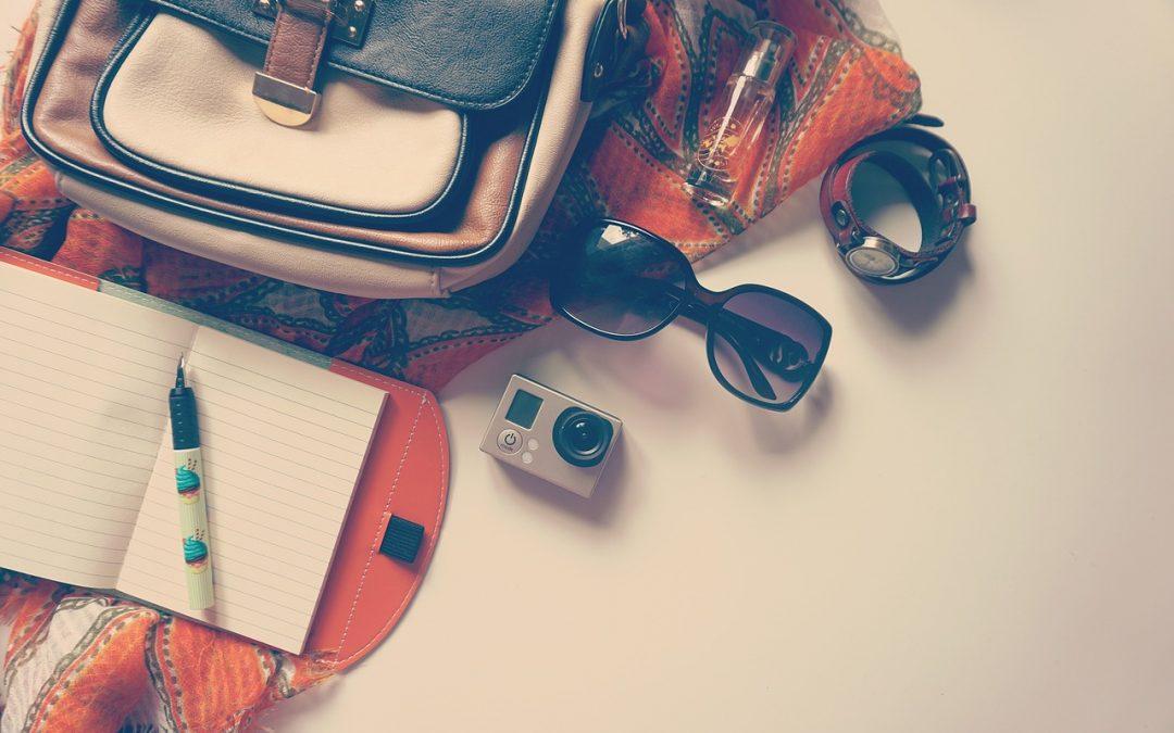 10 accessori da viaggio indispensabili per partire da soli