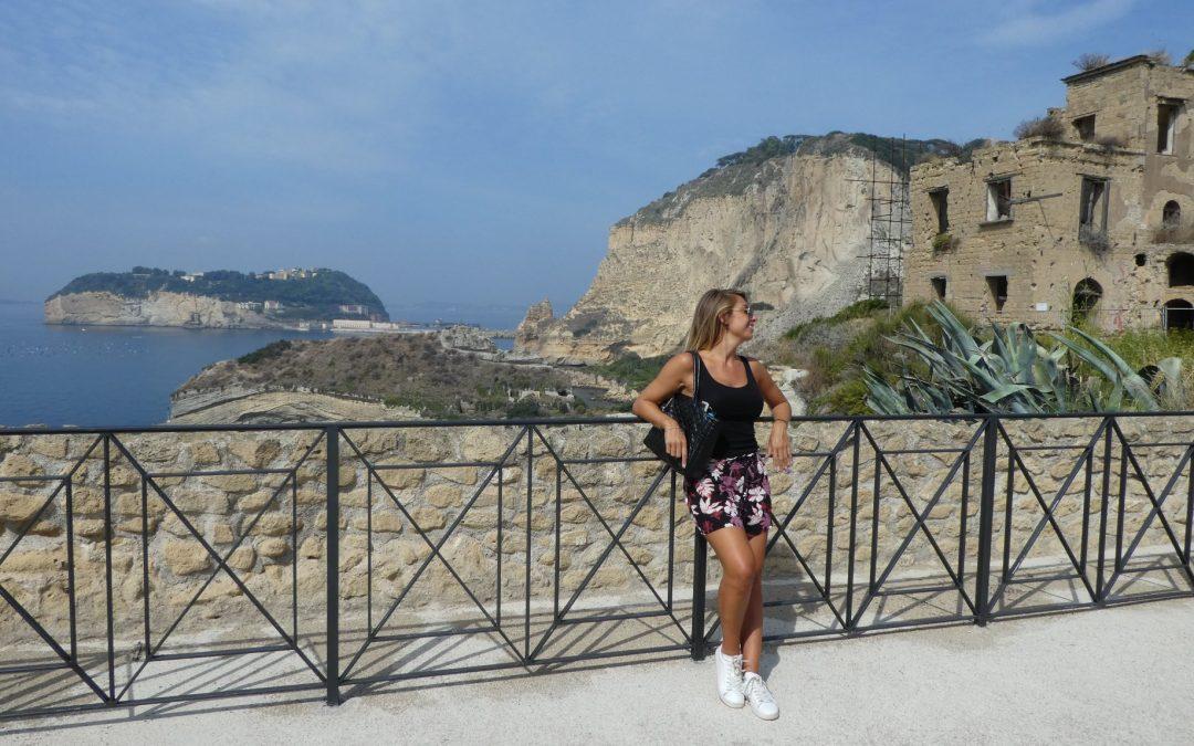 La grotta di Seiano e il parco archeologico del Pausilypon a Napoli