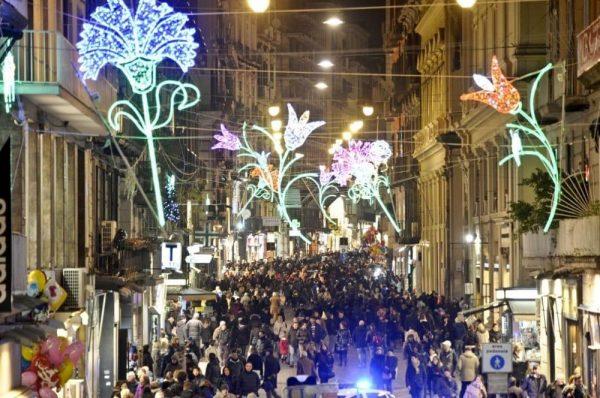Addobbi Natalizi Napoli.Cosa Fare A Natale A Napoli 7 Tradizioni Da Provare In Viaggio Da