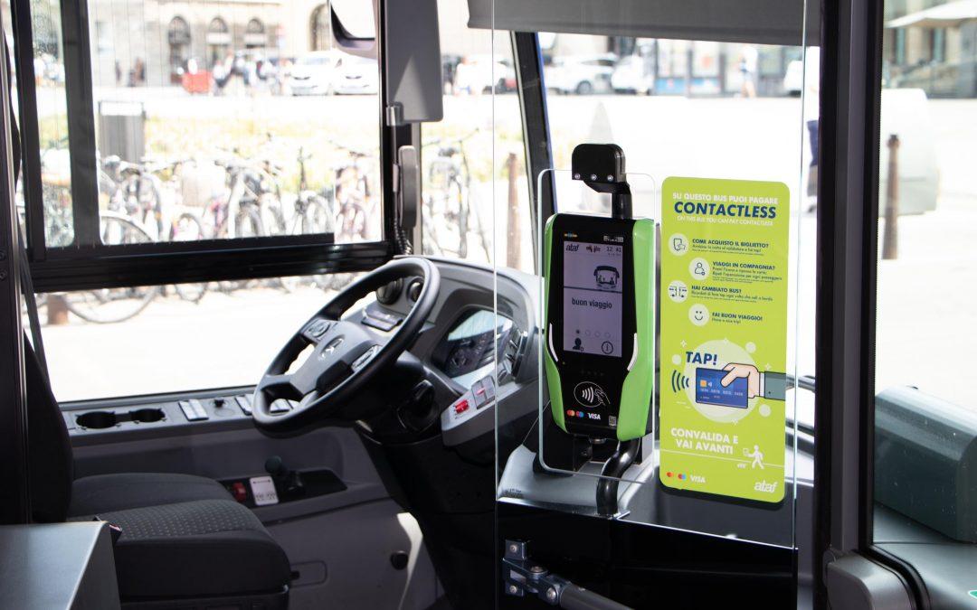 Muoversi a Firenze, il biglietto del bus si paga contactless con la carta