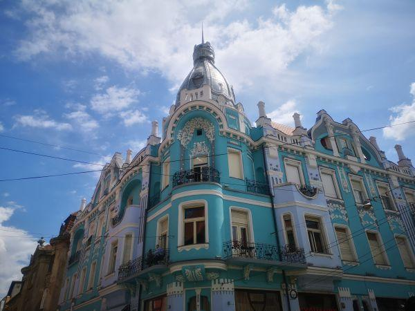 art nouveau buildings Oradea